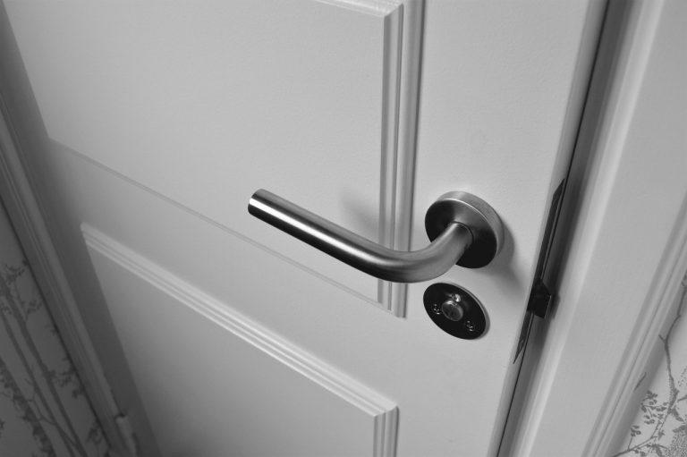 Comment déterminer le sens d'ouverture d'une porte ?